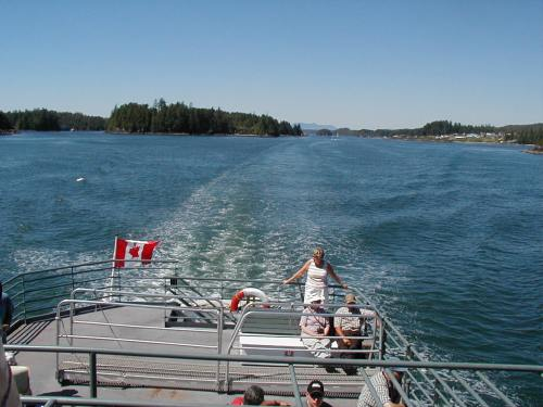 View over the stern in Barkley Sound
