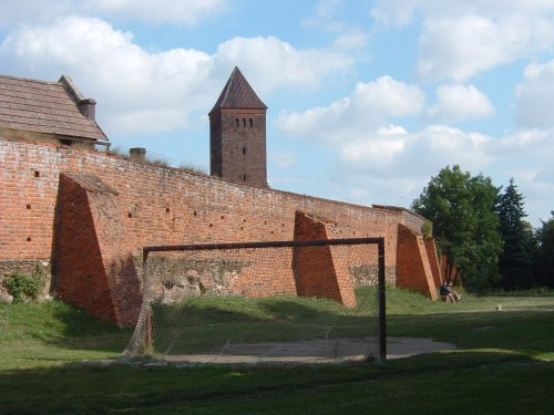 Wall around Byczyna