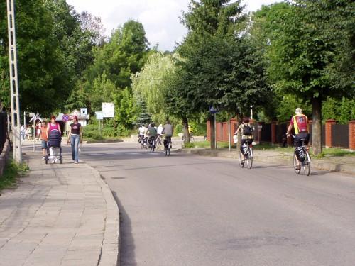 Lotsa Bikers!