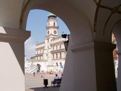 Peeking through the Arches