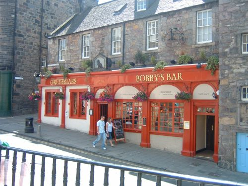 Lunch Stop at the Greyfriars Bobby's Pub